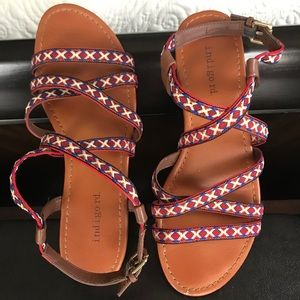 GREAT CONDITION SANDALS.
